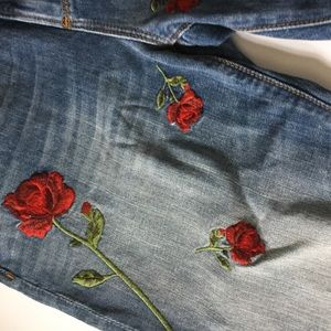 DRIFTWOOD ROSE EMBROIDERED GIRLFRIEND JEANS